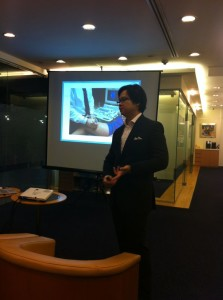 Dr Cheng answering questions about varicose veins treatments from the public in Singapore